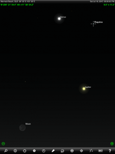 Above: Venus, Jupiter,  crescent Moon and Regulus finder chart. Chart prepared for 6:30 pm AEST on Saturday 18 July 2015 for the Gold Coast, Queensland (but will be also useful for elsewhere in Eastern Australia). Chart prepared using the highly recommended Sky Safari Pro tablet app. Used with permission.